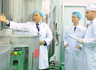 Gia công mỹ phẩm Việt Pháp sở hữu đội ngũ chuyên gia hàng đầu trong lĩnh vực