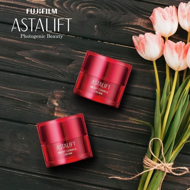 Kem dưỡng da ban đêm Astalift Night Charge Cream sản xuất tại Nhật Bản