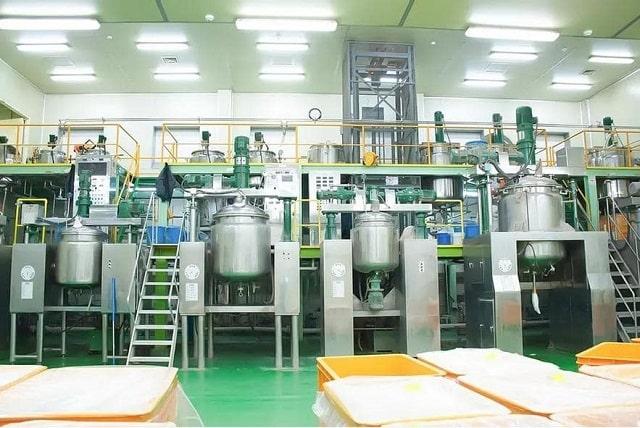 Dây chuyền sản xuất đồ sộ hiện đại